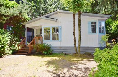 Depoe Bay, Gleneden Beach, Lincoln City, Newport, Otter Rock, Seal Rock, South Beach, Tidewater, Toledo, Waldport, Yachats Mobile/Manufactured For Sale: 2314 NE 21st St
