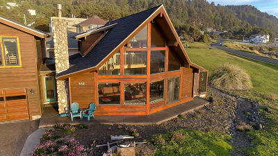 Single Family Home Pending - Continue To Show: 432 Yachats Ocean Rd