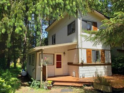 Yachats OR Single Family Home For Sale: $209,000