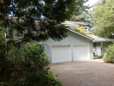 Depoe Bay Single Family Home For Sale: 1275 Walking Wood