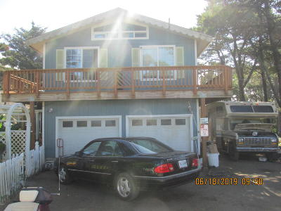 Waldport Single Family Home For Sale: 3855 SW Fehrenbacher Dr