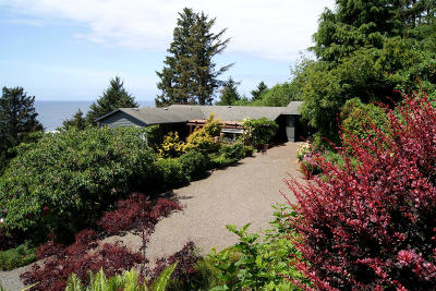 Yachats Single Family Home For Sale: 111 Greenhill Dr