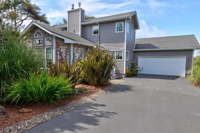 Depoe Bay Single Family Home For Sale: 465 SW Edgewater