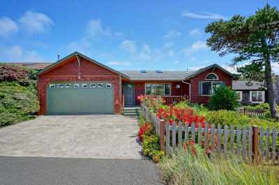 Waldport Single Family Home Pending - Contingencies: 2205 NW Bayshore Lp