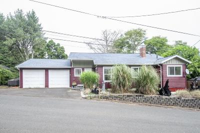 Lincoln City Single Family Home For Sale: 2207 NE 28th St