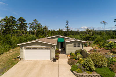 Seal Rock Mobile/Manufactured For Sale: 8715 NW Seal Rock St