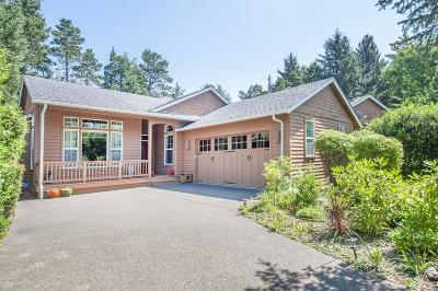 Single Family Home Pending - Contingencies: 205 SW Shining Mist