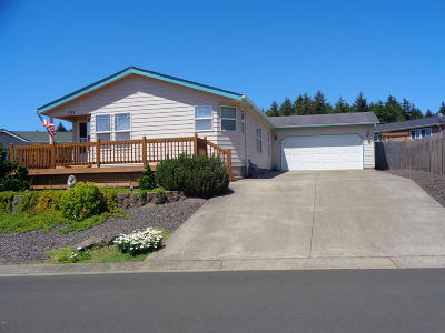 Depoe Bay, Gleneden Beach, Lincoln City, Newport, Otter Rock, Seal Rock, South Beach, Tidewater, Toledo, Waldport, Yachats Mobile/Manufactured For Sale: 725 SE Winchell Drive