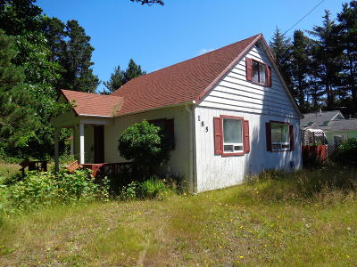 Depoe Bay Single Family Home For Sale: 185 SW South Point Street