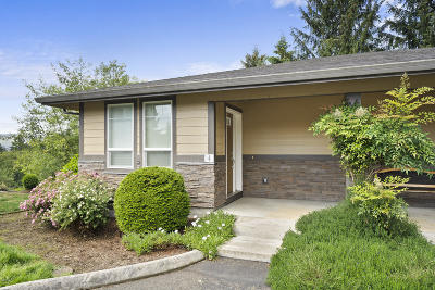 Single Family Home For Sale: 13150 D St
