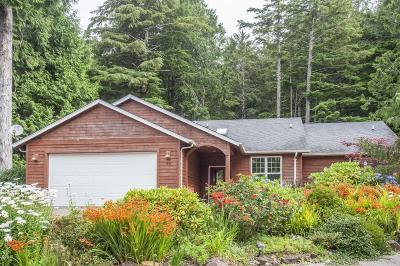 Depoe Bay Single Family Home For Sale: 55 SW Gull Station