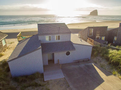 Pacific City Single Family Home For Sale: 34620 Ocean Dr.