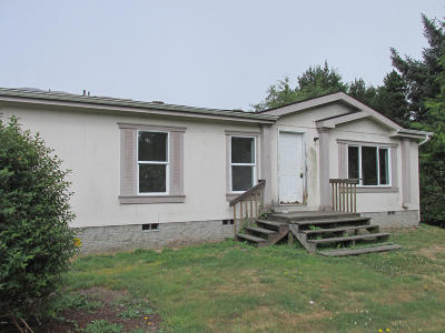 Depoe Bay, Gleneden Beach, Lincoln City, Newport, Otter Rock, Seal Rock, South Beach, Tidewater, Toledo, Waldport, Yachats Mobile/Manufactured For Sale: 360 SW Double Eagle Dr