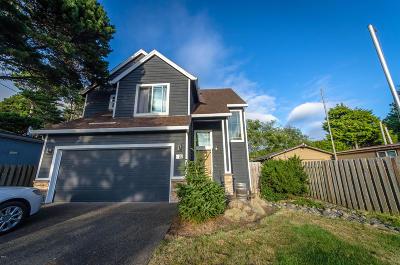Depoe Bay Single Family Home For Sale: 250 Hazelton Pl