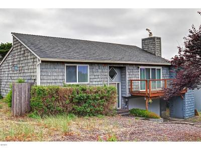 Waldport Single Family Home For Sale: 2001 NW Sandpiper Drive