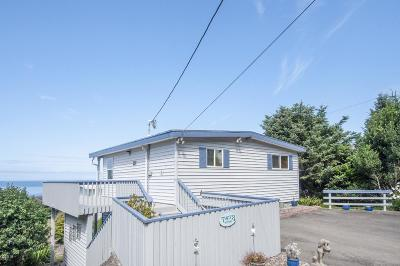 Lincoln City OR Single Family Home For Sale: $359,000