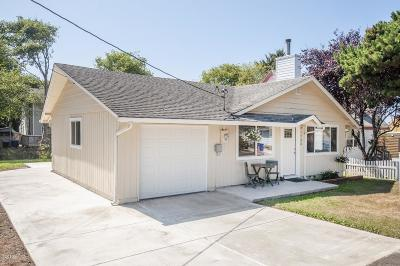 Lincoln City Single Family Home For Sale: 1732 NW 34th St.