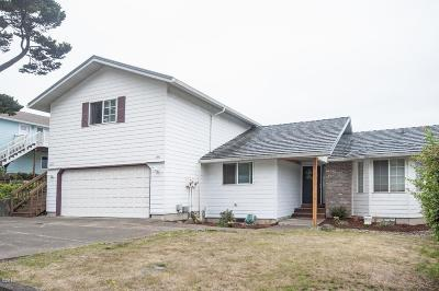 Lincoln City Multi Family Home Active - Bumpable: 3553 SE Dune Ave.