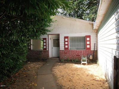 Single Family Home For Sale: 749 NW Elizabeth St