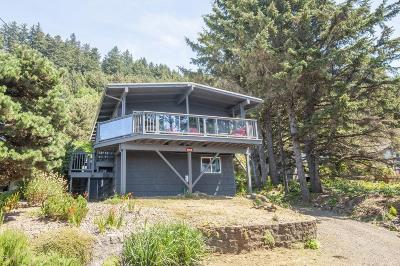 Depoe Bay Single Family Home For Sale: 3648 Rocky Creek Ave