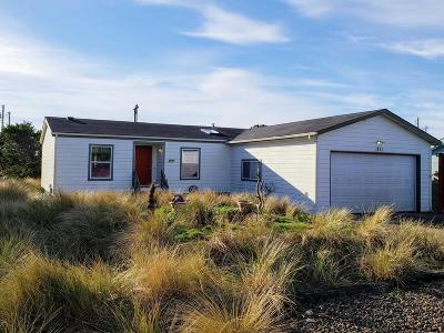 Waldport Mobile/Manufactured For Sale: 1801 NW Marlin St