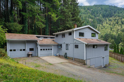 Lincoln City Single Family Home For Sale: 2119 Siletz Hwy