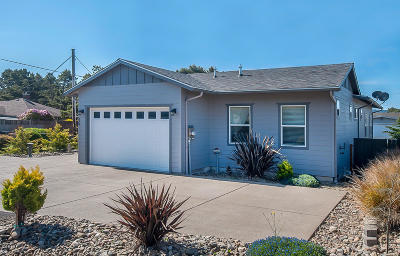 Lincoln City Single Family Home For Sale: 330 El Pino Ave