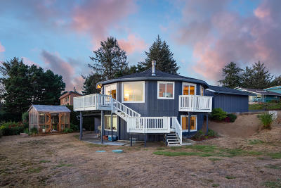 Seal Rock Single Family Home For Sale: 973 Lanai Lp