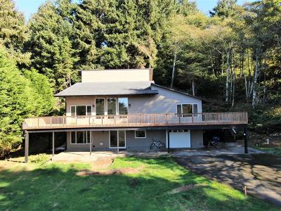 Depoe Bay Single Family Home For Sale: 900 Us-101
