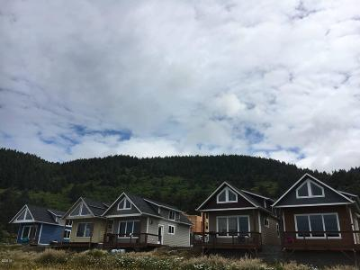 Yachats Condo/Townhouse For Sale: 95590 S Highway 101 #8