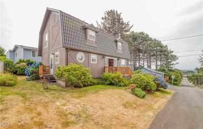 Lincoln City Single Family Home For Sale: 3134 NW Neptune Ave