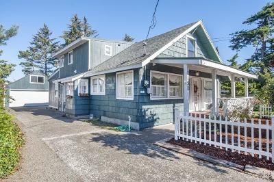 Lincoln City Single Family Home For Sale: 1151 SW 62nd St