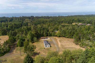 Waldport Single Family Home For Sale: 434 SW Wakonda Beach Rd