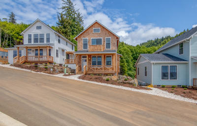 Depoe Bay OR Single Family Home For Sale: $499,000