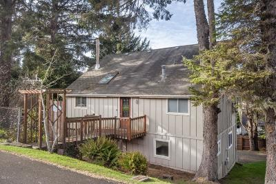 Lincoln City Single Family Home For Sale: 2941 NW Port Ave.
