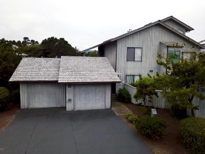 Depoe Bay Condo/Townhouse For Sale: 4175 N Hwy 101 #B1