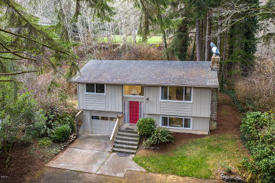 Lincoln City Single Family Home For Sale: 1745 NE West Devils Lake Rd