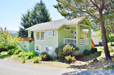 Lincoln City Single Family Home For Sale: 1130 NE Voyage Ave