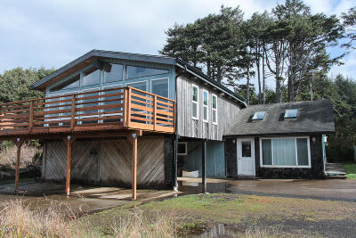 Yachats Single Family Home For Sale: 3509 Highway 101 N