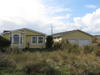 Waldport Mobile/Manufactured For Sale: 2001 NW Marineview Dr