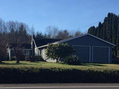 Single Family Home For Sale: 2467 E Alsea Hwy