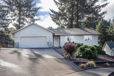 Lincoln City Single Family Home For Sale: 2472 NE 57th Ct