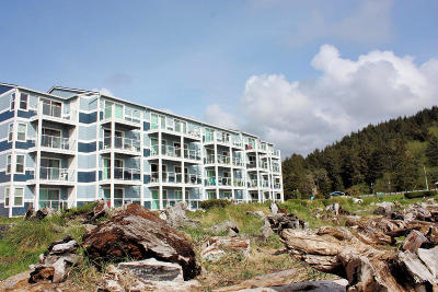Lincoln City Condo/Townhouse For Sale: 5201 SW Highway 101 #107