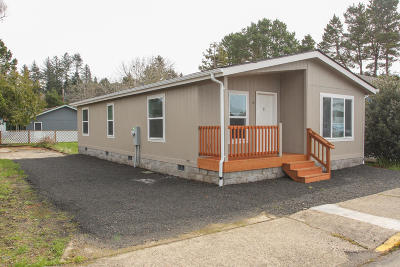 Depoe Bay, Gleneden Beach, Lincoln City, Newport, Otter Rock, Seal Rock, South Beach, Tidewater, Toledo, Waldport, Yachats Mobile/Manufactured For Sale: 145 NW Verbena St