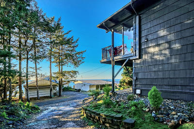 Depoe Bay OR Single Family Home Sold: $385,000
