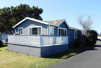 Depoe Bay, Gleneden Beach, Lincoln City, Newport, Otter Rock, Seal Rock, South Beach, Tidewater, Toledo, Waldport, Yachats Mobile/Manufactured For Sale: 955 NE Mill Street #C-14