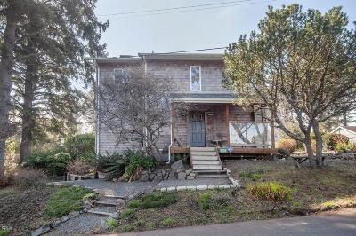 Lincoln City Single Family Home For Sale: 1820 NE 19th St