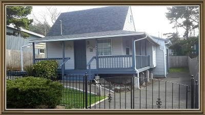 Lincoln City Single Family Home For Sale: 1606 NW 21st St