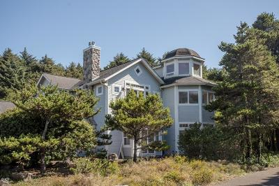 Depoe Bay Single Family Home For Sale: 450 Edgewater