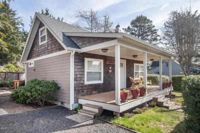 Lincoln City OR Single Family Home For Sale: $252,500